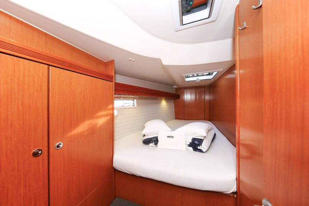 Boat rental Grad Pula cheap Cruiser 45