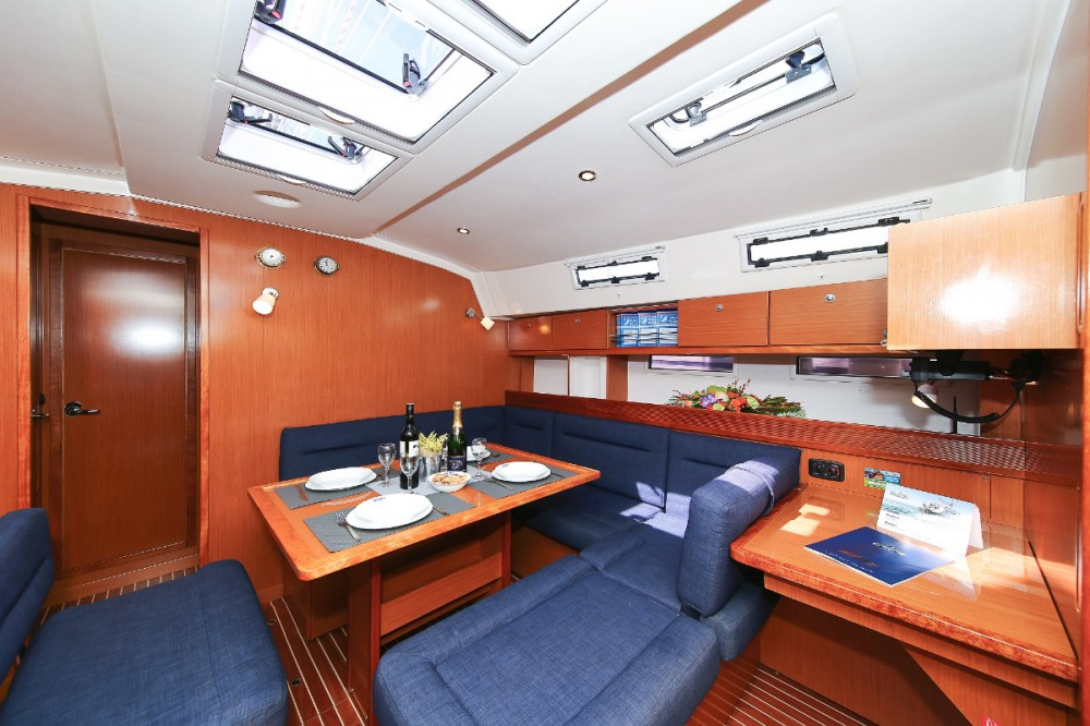 Rent a Bavaria Cruiser 45 Grad Pula