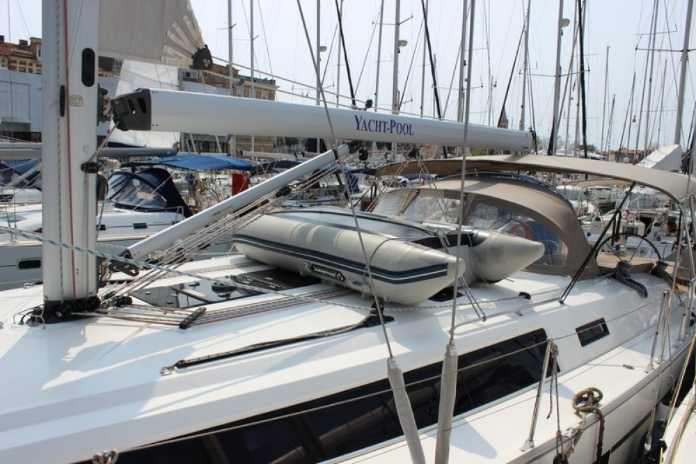 Boat rental Bavaria Cruiser 46 in Jezera on Samboat