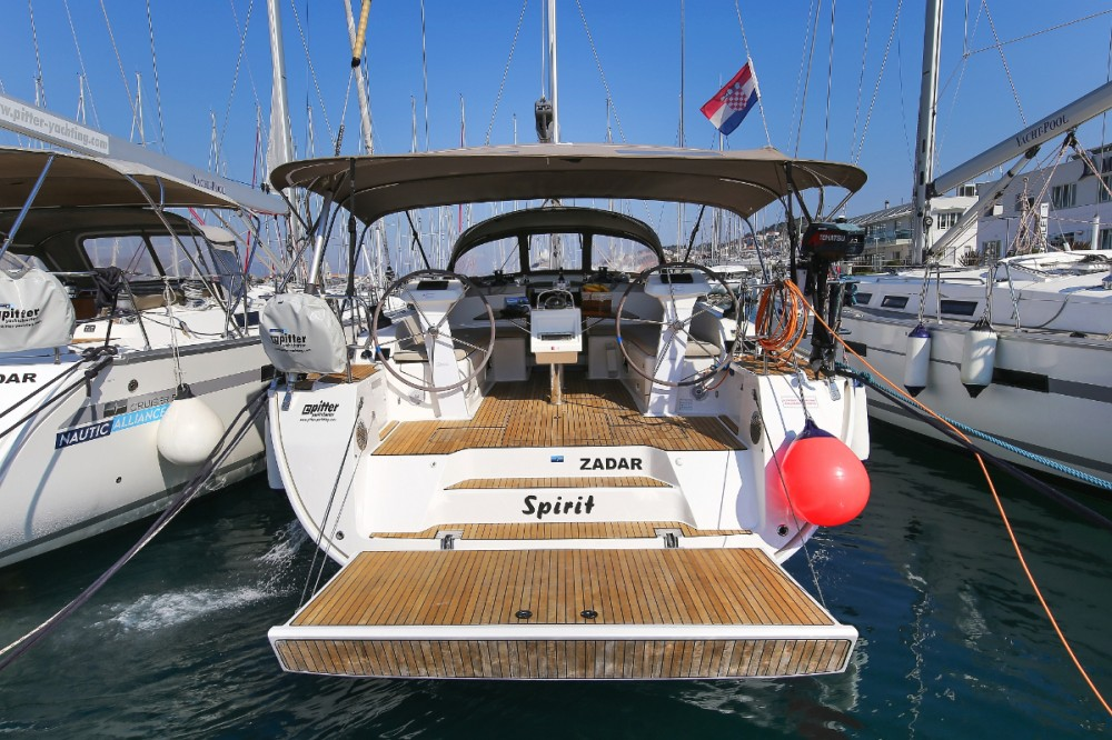 Rent a Bavaria Cruiser 46 Trogir