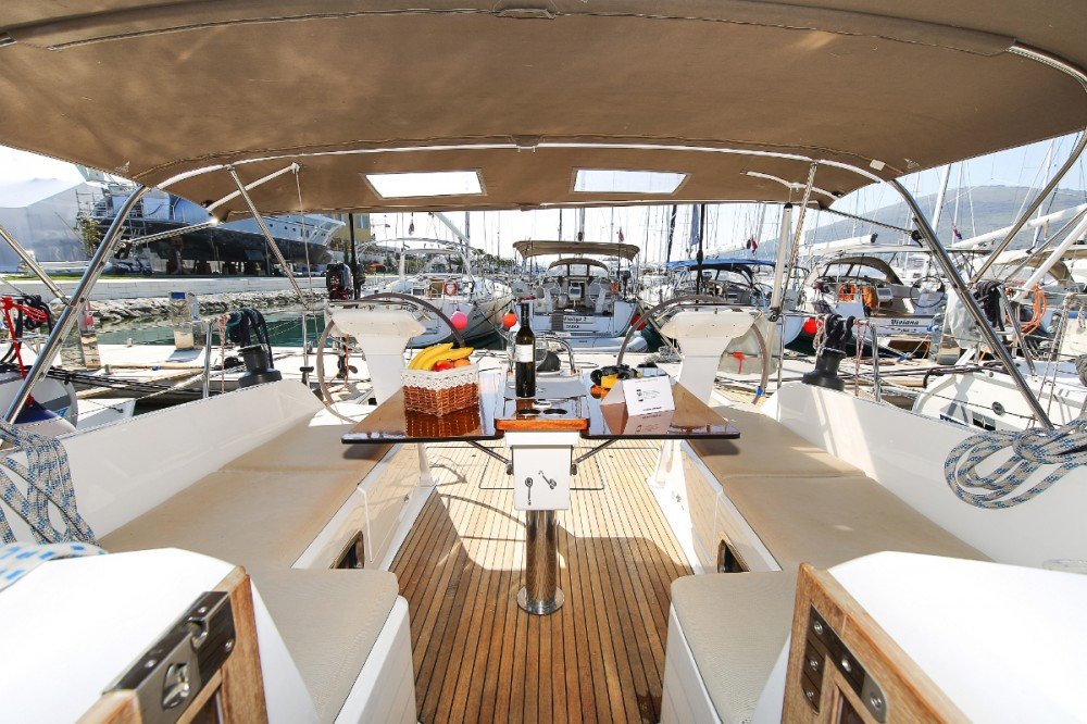 Boat rental Bavaria Cruiser 46 in Trogir on Samboat
