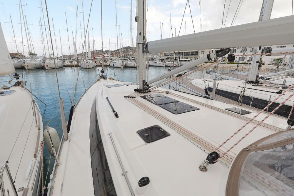 Rent a Bavaria Cruiser 46 Trogir