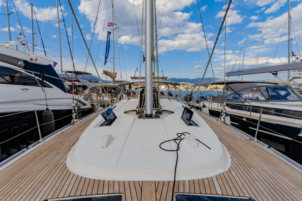 Rental Sailboat in Split - Bavaria Cruiser 56