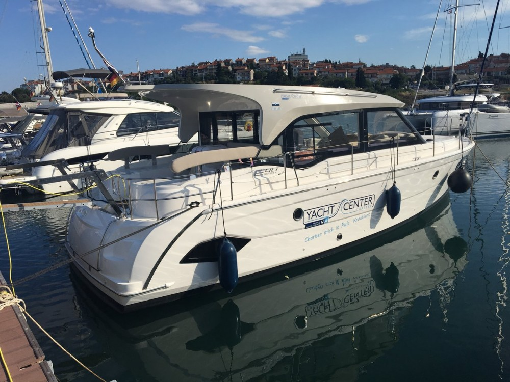 Hire Motor boat with or without skipper Bavaria Croatia