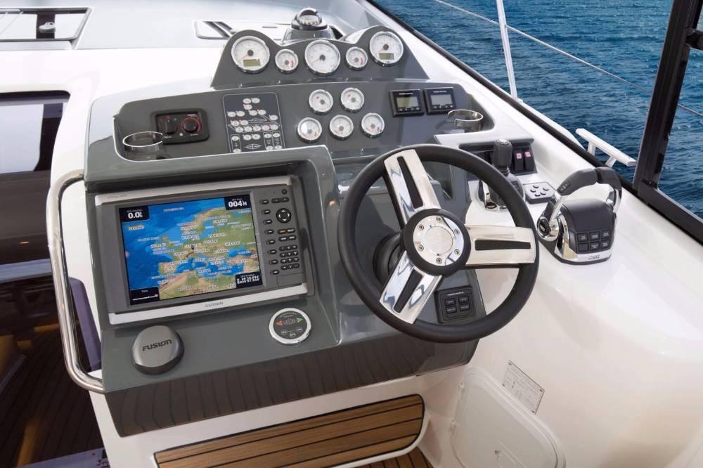 Rental Motorboat in Grad Pula - Bavaria S 40 Open
