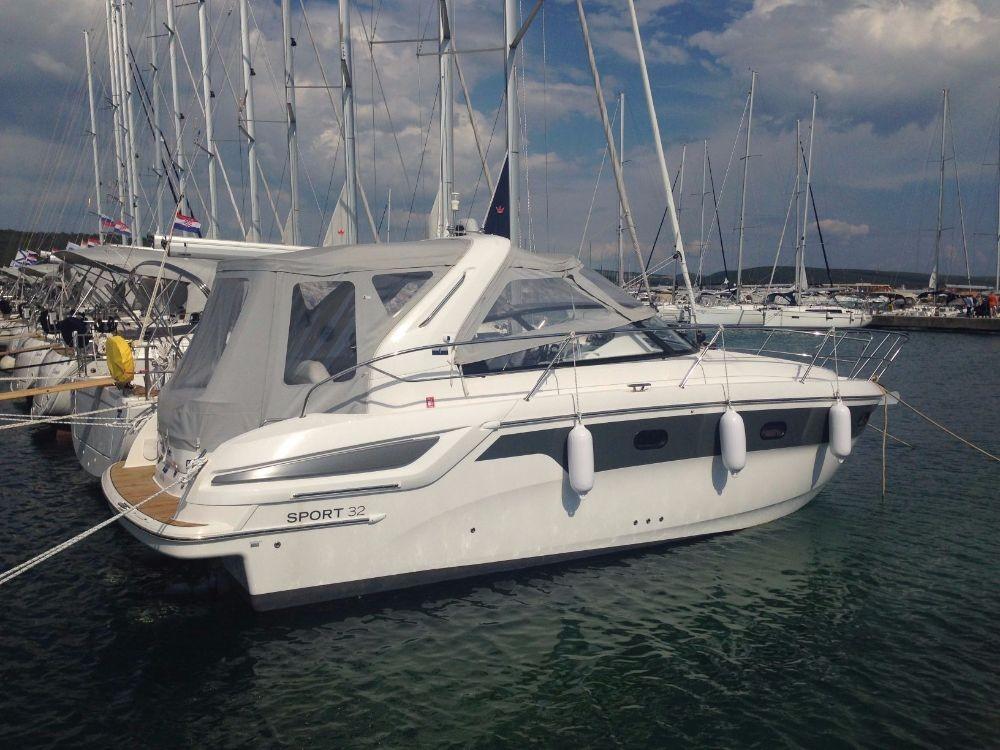 Rental Motorboat in Pirovac - Bavaria Sport 32