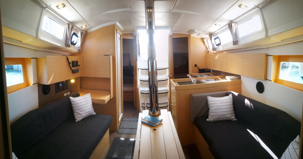 Rental yacht  - Bénéteau Oceanis 35.1 on SamBoat