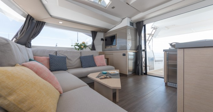 Hire Catamaran with or without skipper Fountaine Pajot Eden Island