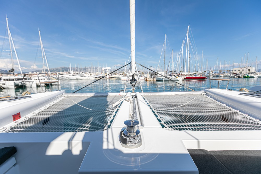 Rental yacht Split - Lagoon Lagoon 450 F (2019) equipped with generator, A/C (saloon+cabins), water maker, dishwasher, ice maker, bow truster on SamBoat