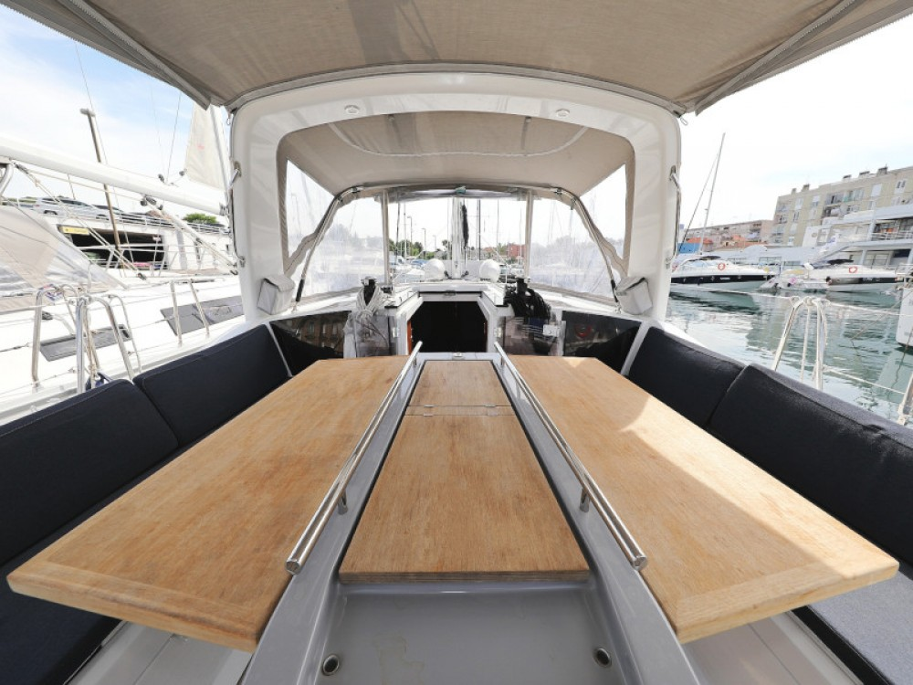 Hire Sailboat with or without skipper Bénéteau Marina Zadar