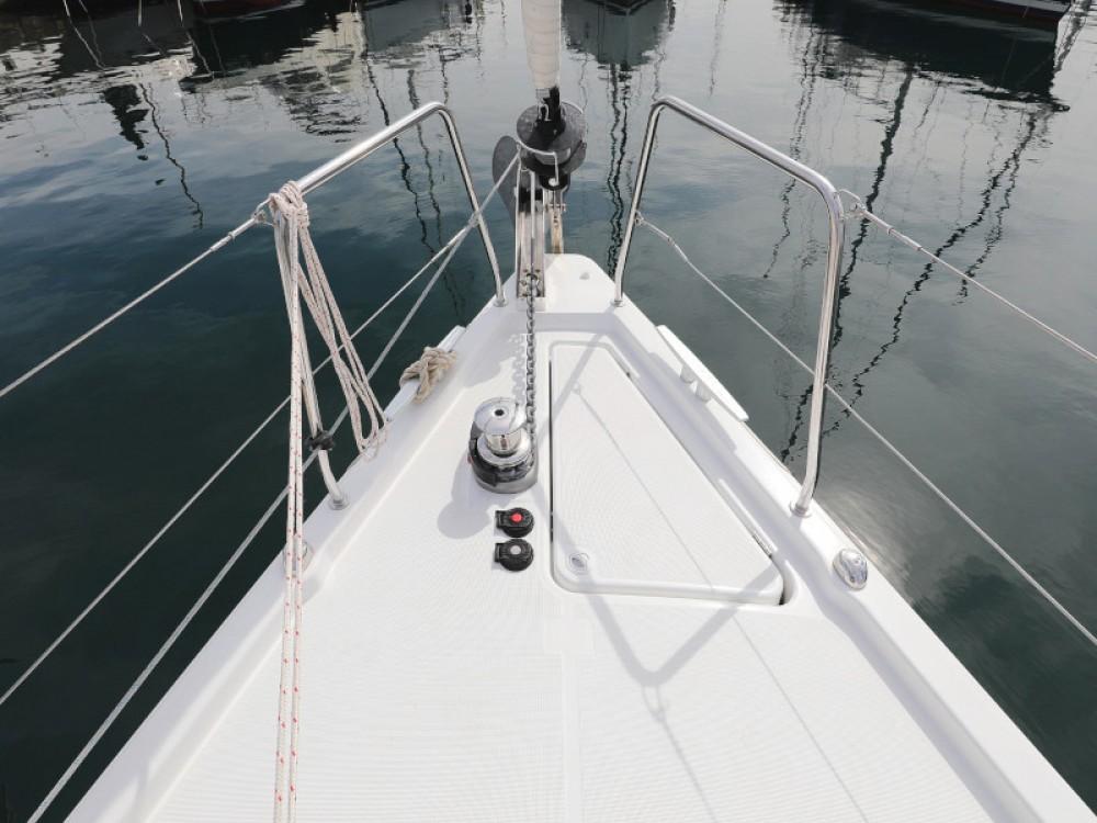 Boat rental Bénéteau Oceanis 41.1 in Marina Zadar on Samboat