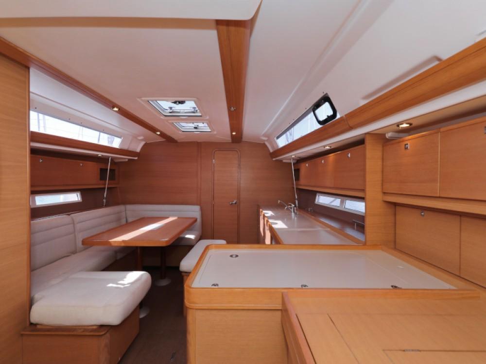 Boat rental Dufour Dufour 450 GL in Zara on Samboat