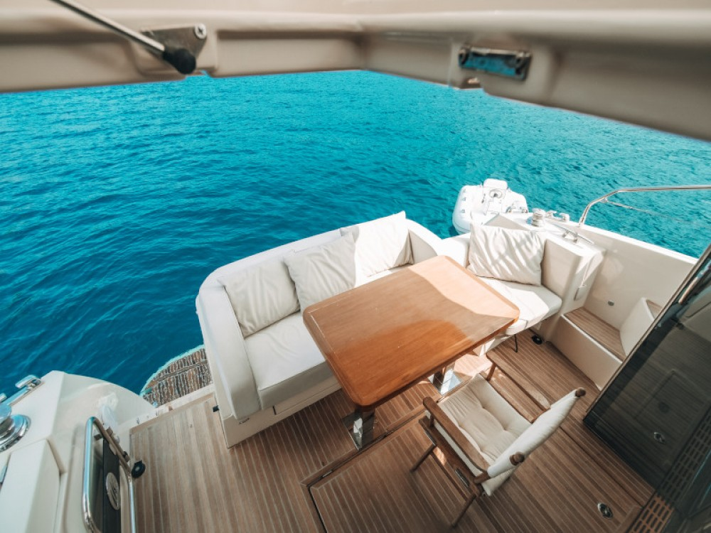 Rental yacht Seget Donji - Bénéteau Monte Carlo 5 on SamBoat