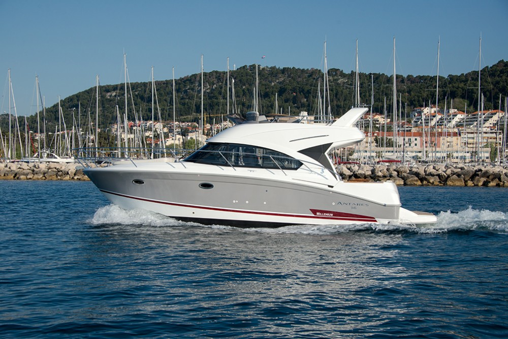 Motorboat for rent Rovinj at the best price
