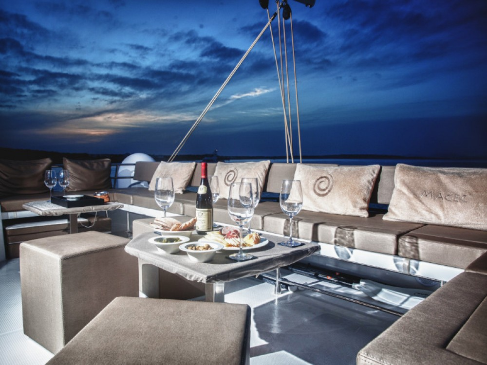Fountaine Pajot Victoria 67 between personal and professional Gavà