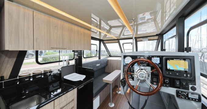 Rent a Cobra Futura 40 Grand Horizon Sukošan