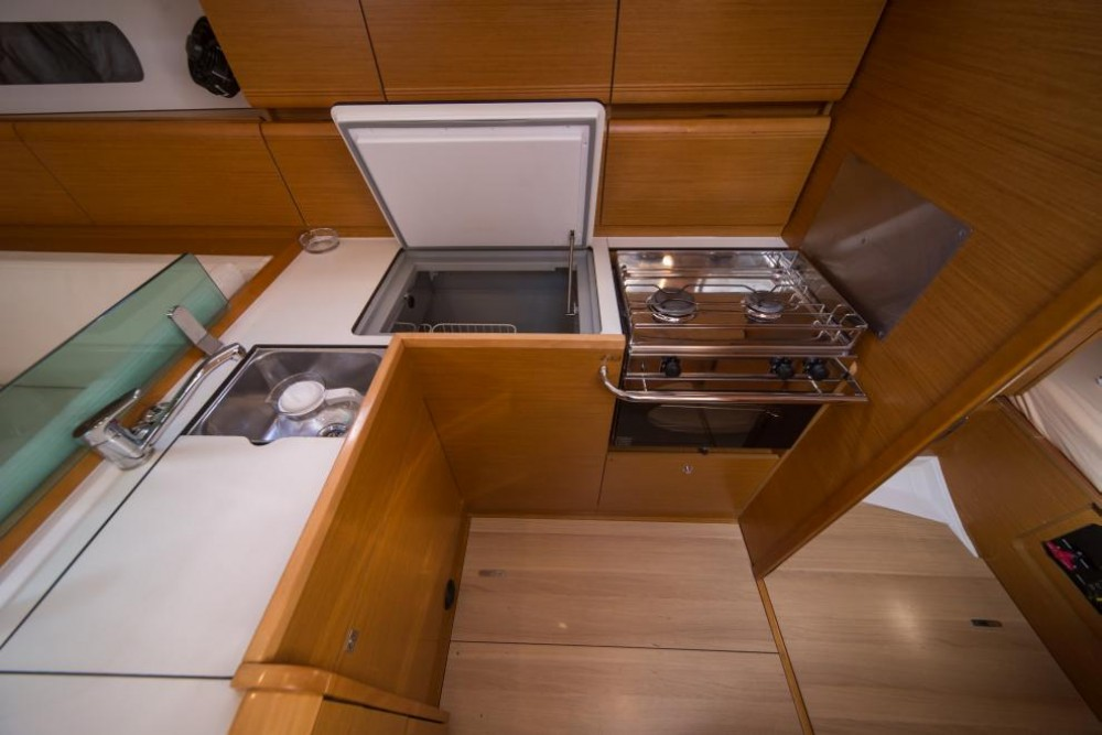 Jeanneau Sun Odyssey 449 between personal and professional Traù
