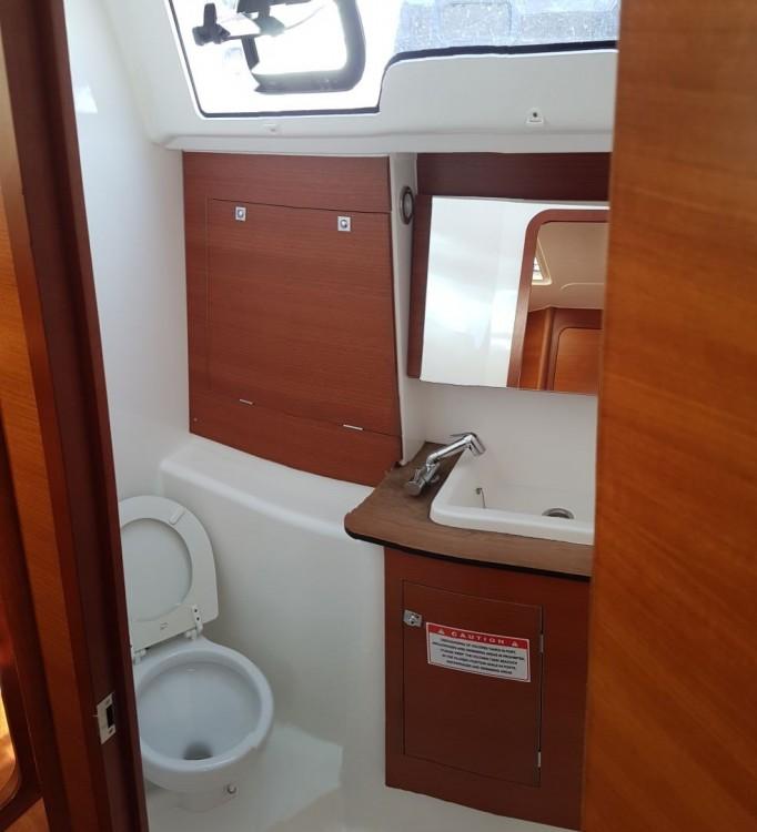 Rental Sailboat in Dubrovnik - Dufour Dufour 382 Grand Large