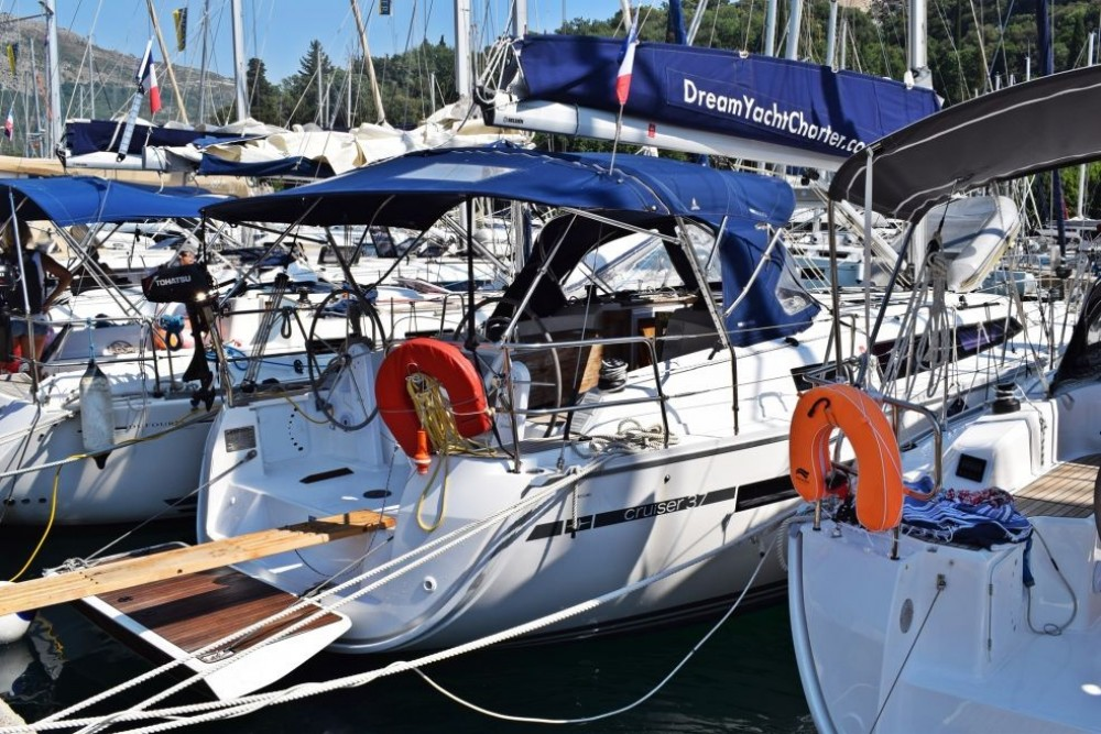 Hire Sailboat with or without skipper Bavaria Sebenico
