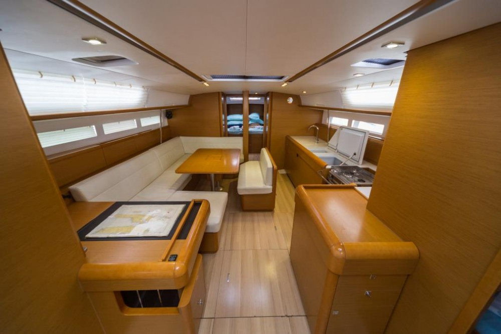 Jeanneau Sun Odyssey 509 between personal and professional Trogir