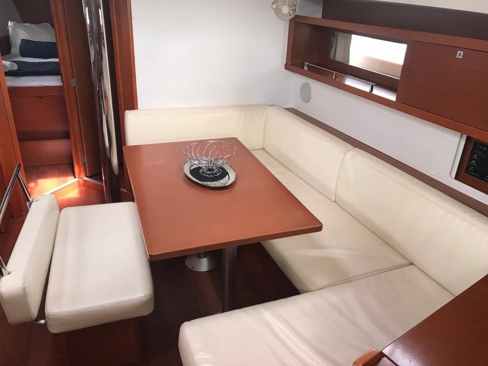 Rental Sailboat in  - Jeanneau Oceanis 45