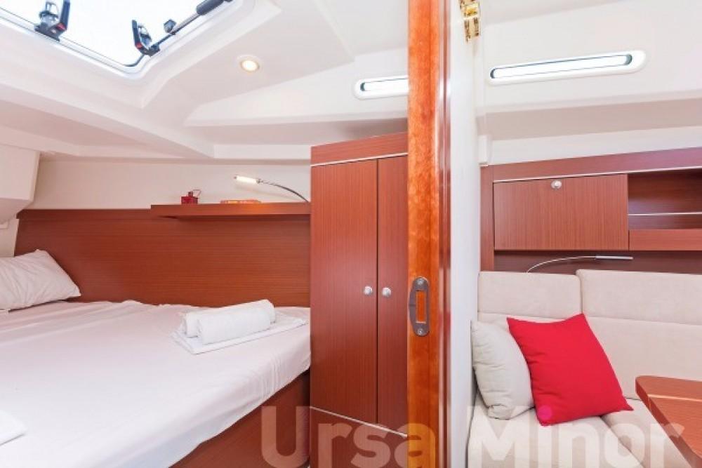 Boat rental Hanse Hanse 345 in Athens on Samboat