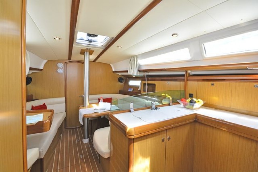Sun Odyssey 36i between personal and professional Corfu