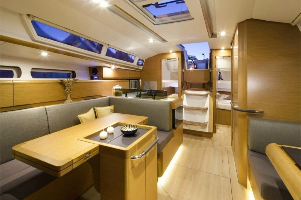 Jeanneau Sun Odyssey 409 between personal and professional Aegean