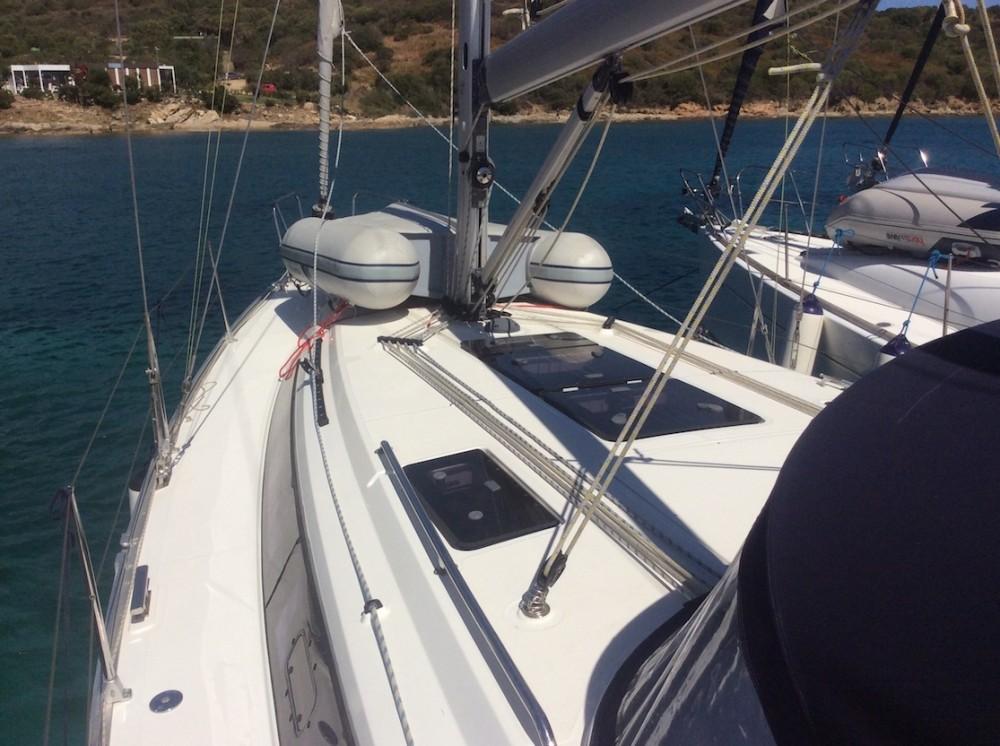 Boat rental Bavaria Bavaria Cruiser 37 in Olbia on Samboat