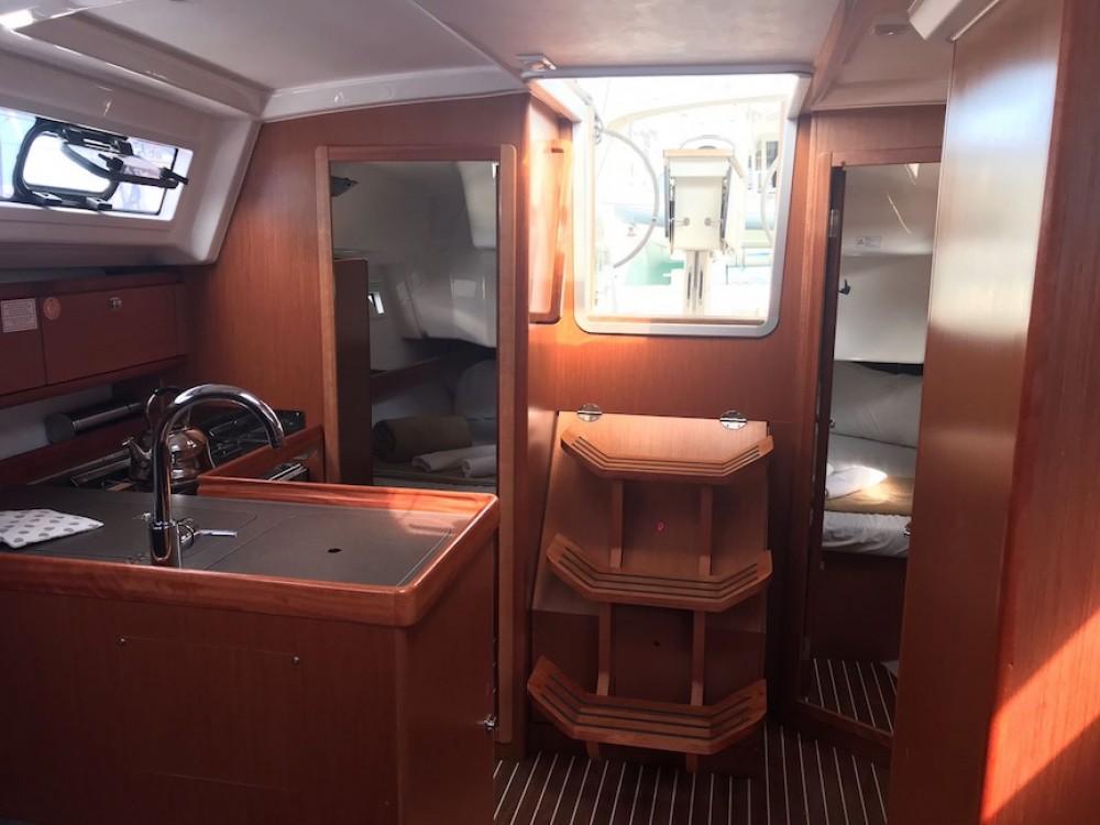 Boat rental Bavaria Bavaria Cruiser 34 in Sardinia on Samboat