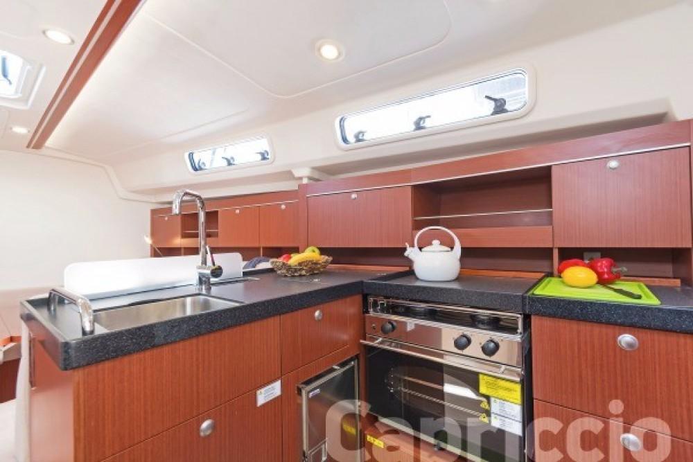 Boat rental Athens cheap Hanse 385
