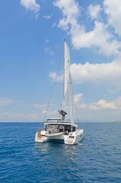 Rental yacht Λαύριο - Lagoon Catamaran Lagoon 42 on SamBoat