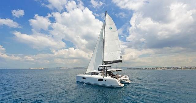 Rent a Lagoon Catamaran Lagoon 42 Λαύριο