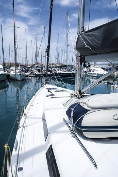 Rental Sailboat in Athens - VIRTUAL Hanse 415