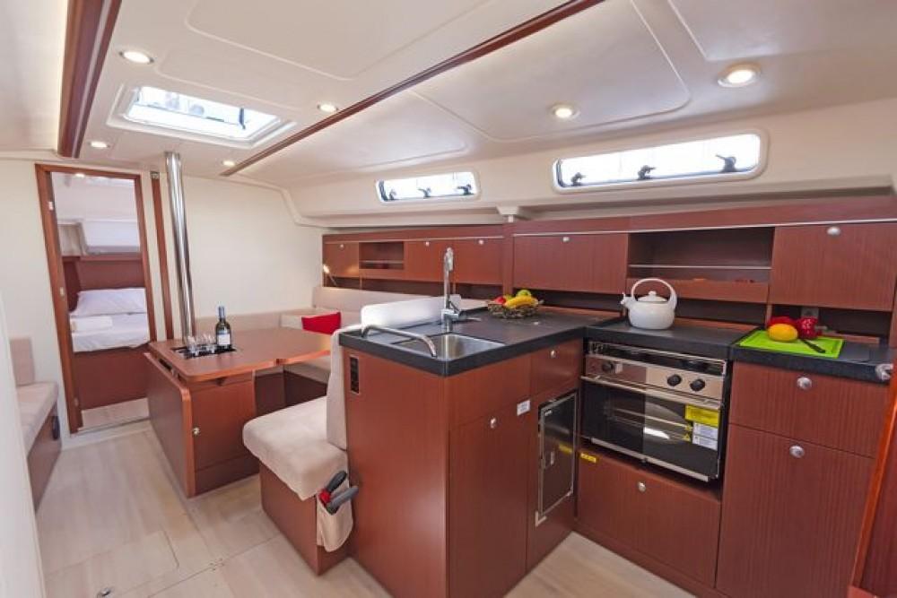 Rental Sailboat in Athens -  Hanse 385