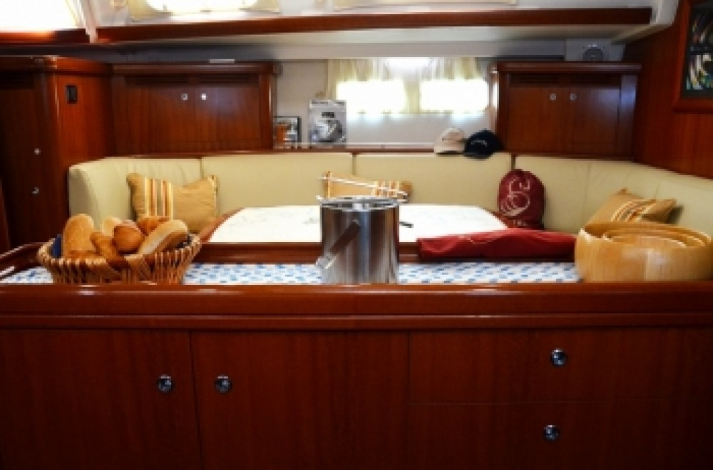 Rent a  Oceanis 523 Peloponnese, West Greece and Ionian Sea