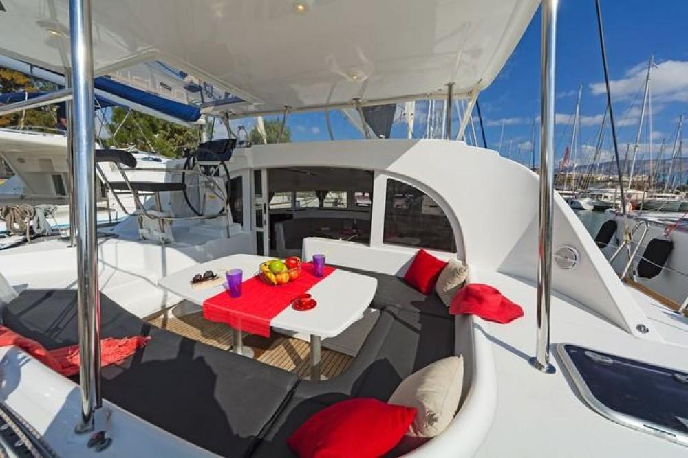 Boat rental Kalafationes cheap Lagoon 380
