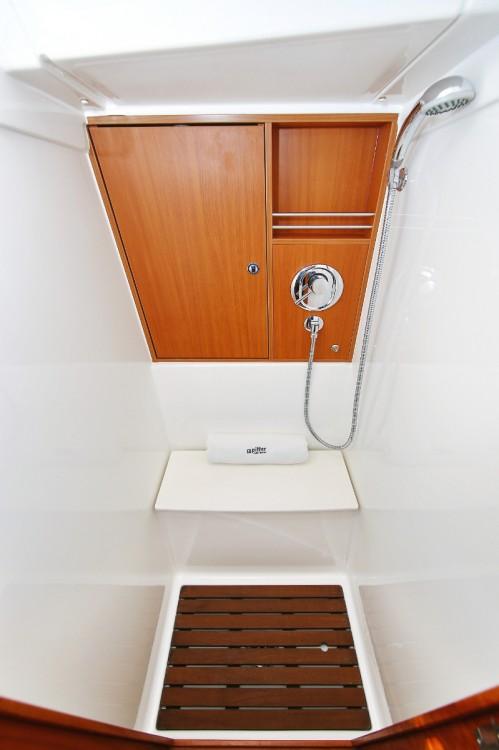 Rental Sailboat in Grad Pula - Bavaria Cruiser 45