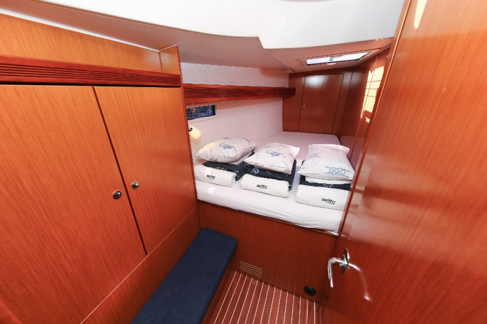 Rental yacht Grad Pula - Bavaria Cruiser 45 on SamBoat