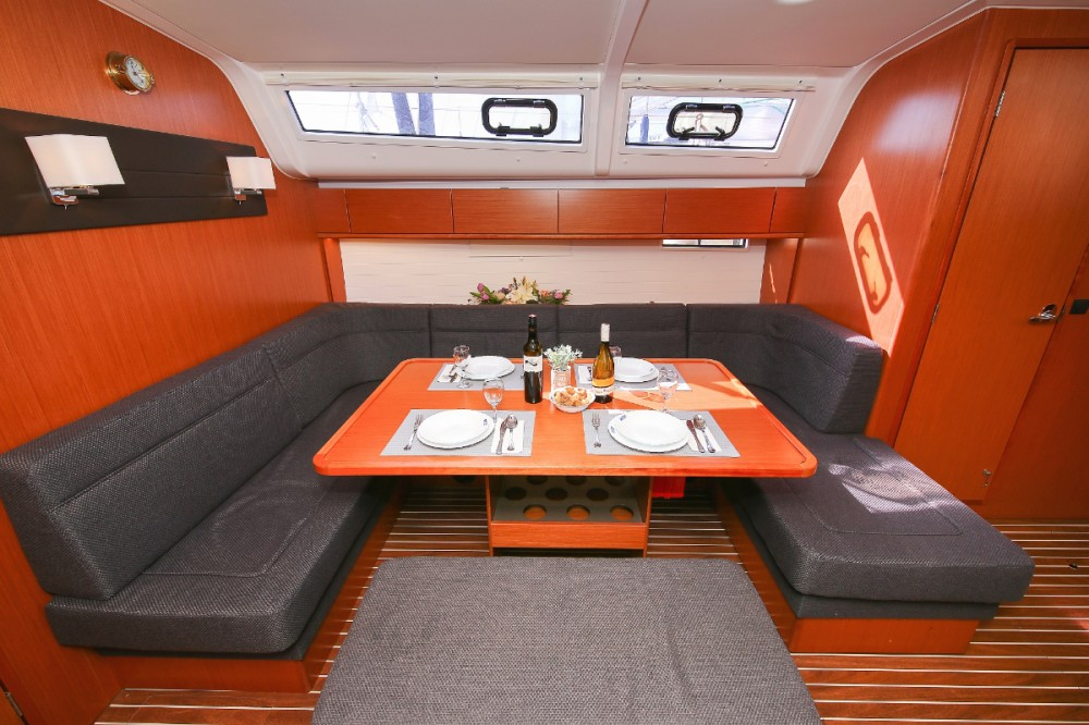 Rent a Bavaria Cruiser 51 Grad Pula