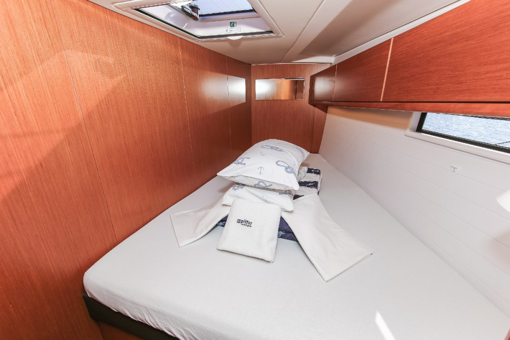 Rental yacht Grad Pula - Bavaria Cruiser 51 on SamBoat