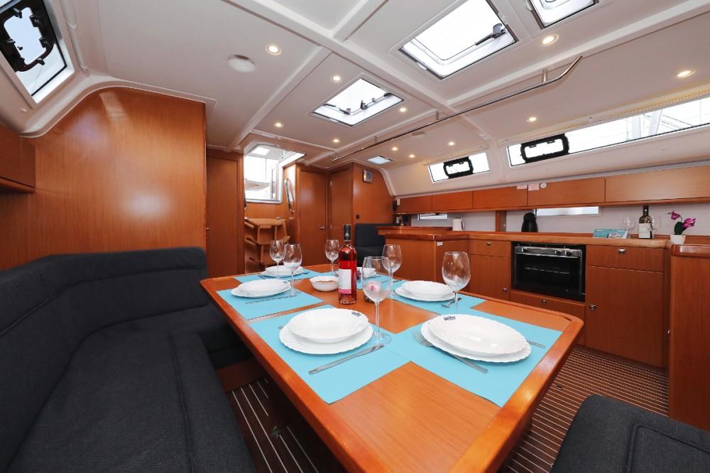 Boat rental  cheap Cruiser 51