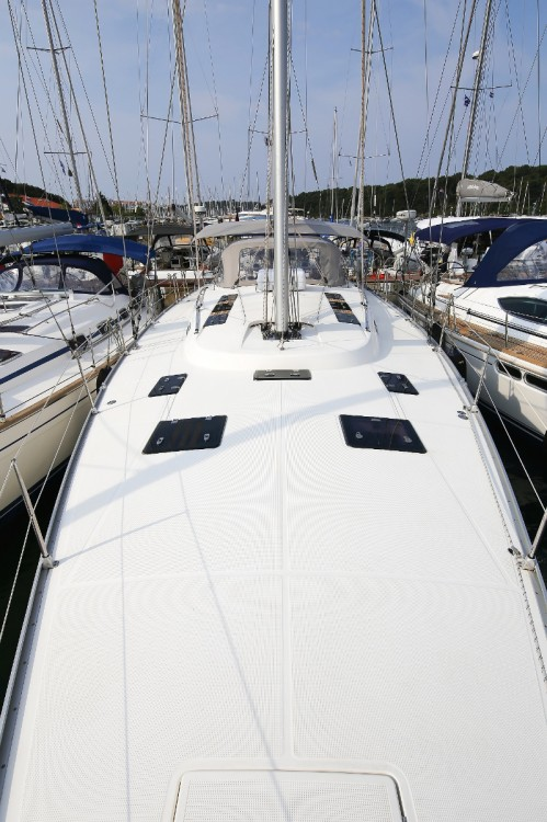 Bavaria Cruiser 55 between personal and professional Vólos