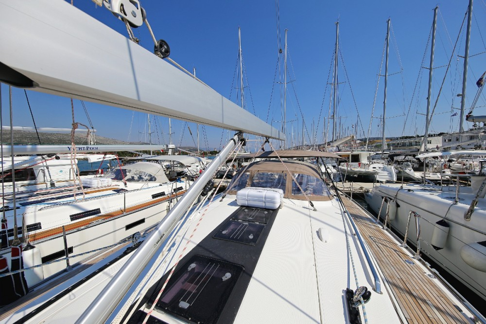 Boat rental Trogir cheap Cruiser 56