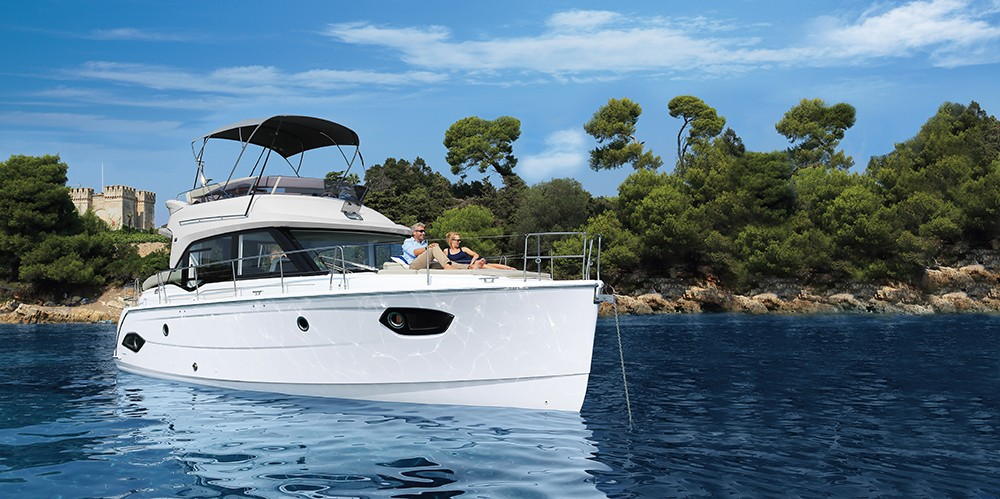 Hire Motorboat with or without skipper Bavaria Grad Pula