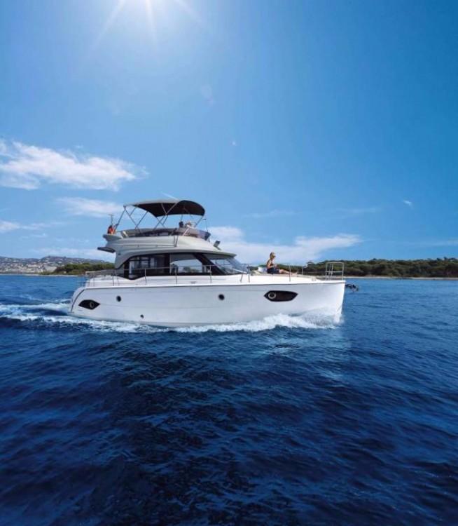 Boat rental Grad Pula cheap E40 Fly