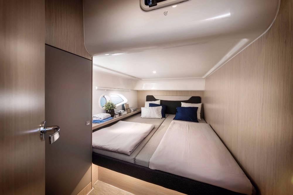 Rental yacht Grad Pula - Bavaria E40 Fly on SamBoat