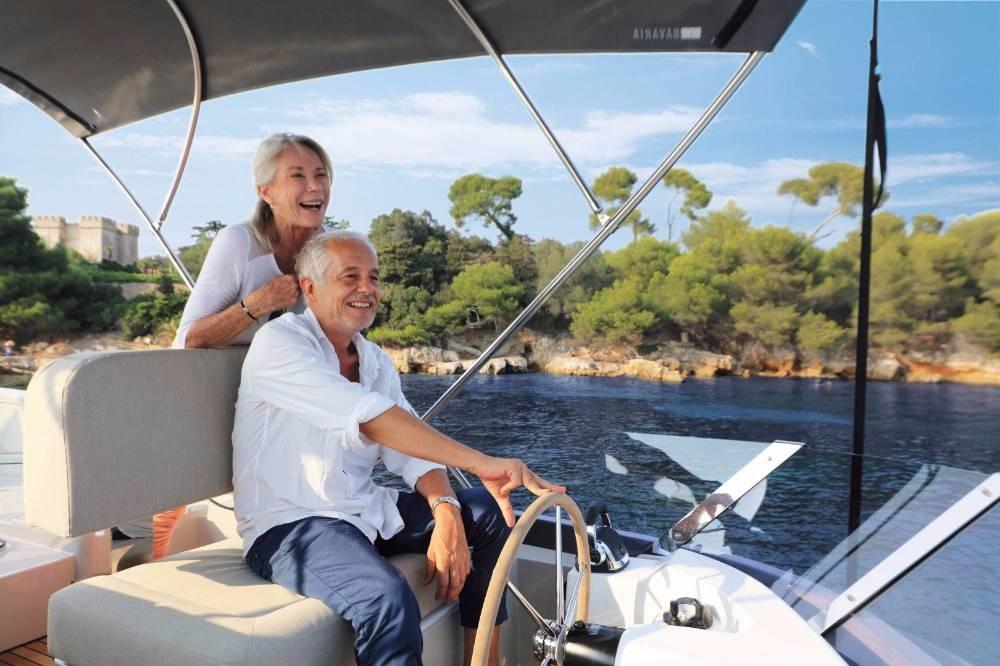 Boat rental  cheap E40 Fly