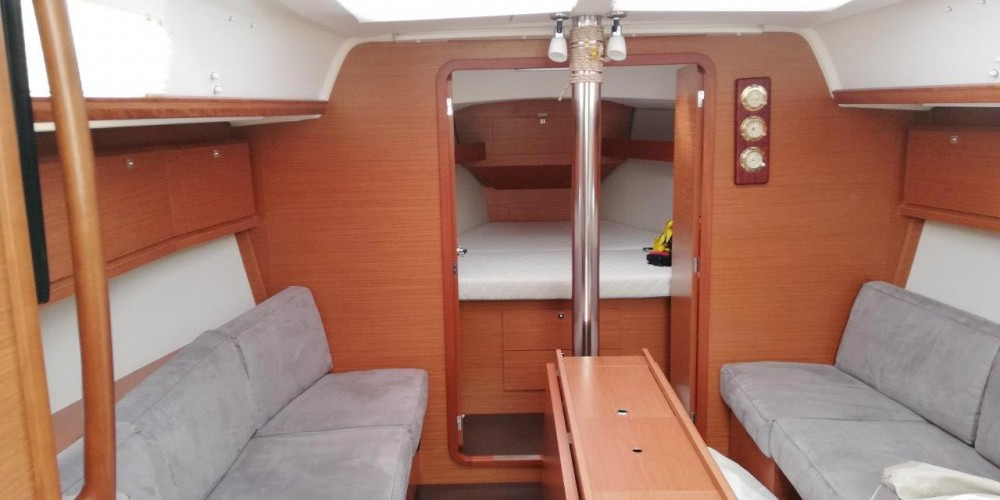 Boat rental Dufour Dufour 382 GL - 3 cab. in Slovenia on Samboat