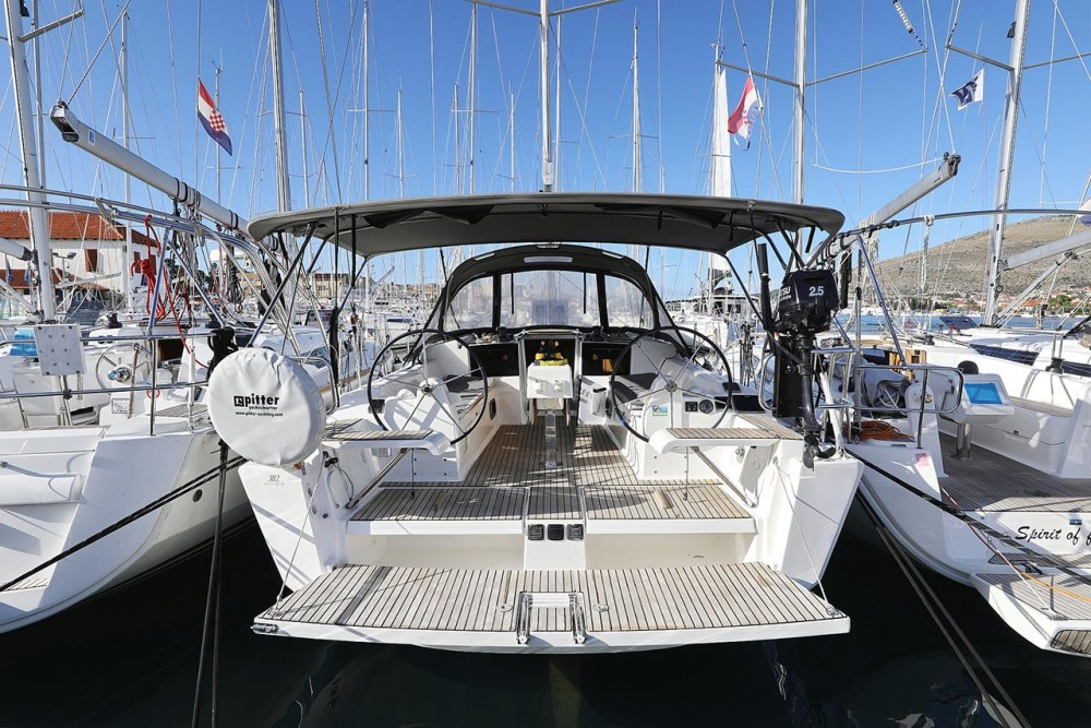 Dufour Dufour 382 GL between personal and professional